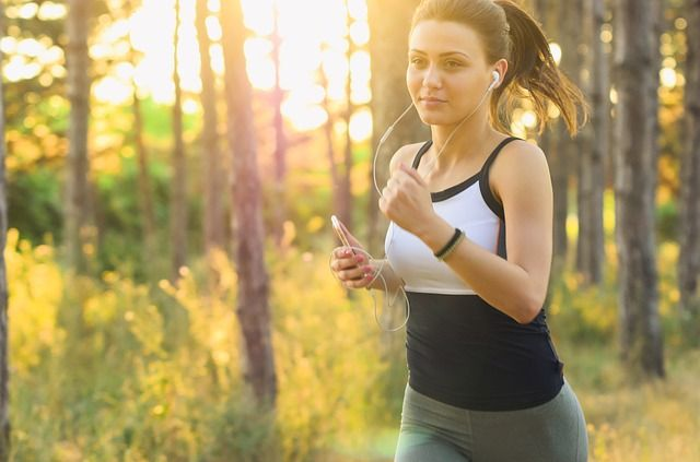 Olika träningskläder för sommar och vinter